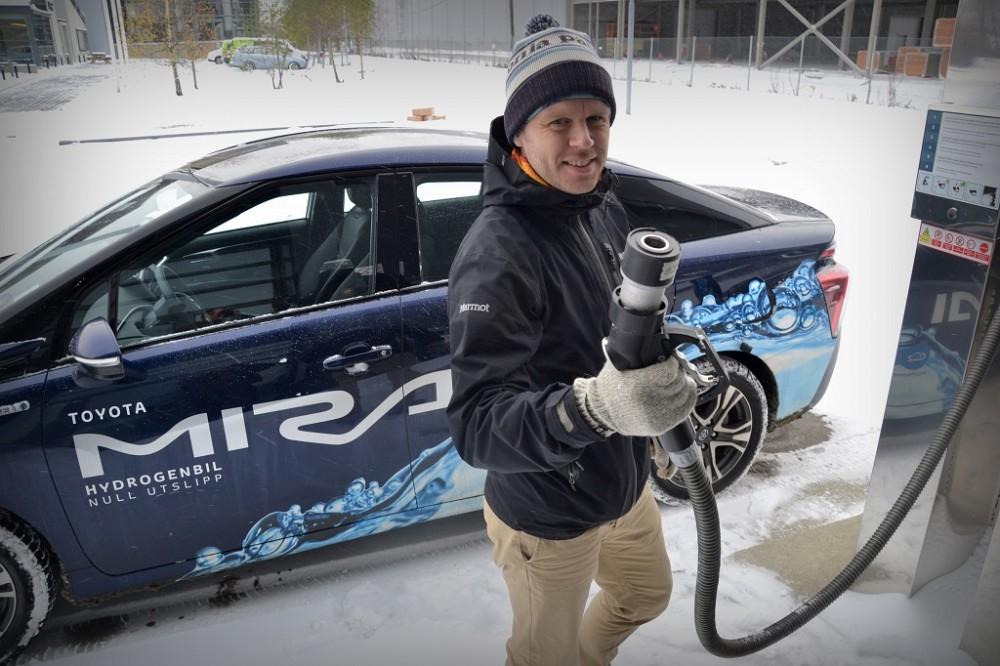 – Antallet hydrogenbiler i Europa er fortsatt lavt, men et sted må vi begynne, sier Daniel Bügel i Green Drive Region.